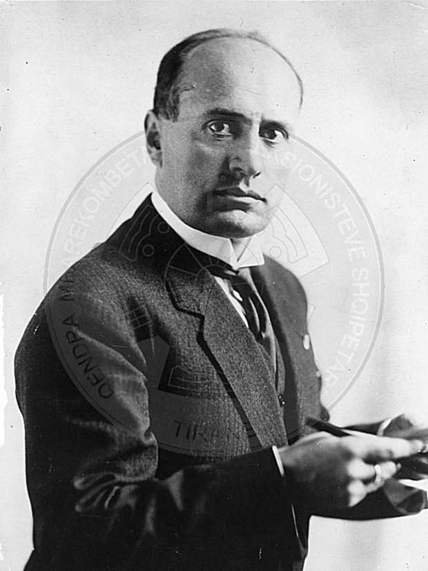 11 Dhjetor 1926, ligji i letërkëmbimit Dino-Musolini  mbi traktatin Italo-Shqiptar