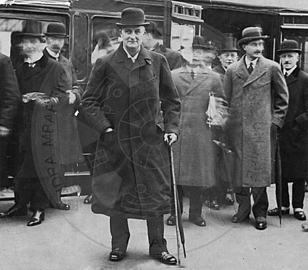 10 Dhjetor 1912, mblidhet Konferenca e Ambasadorëve në Londër