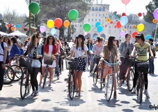 """22nd September 2003, for the first time 6 Albanian cities join the initiative """"for a city without cars"""""""